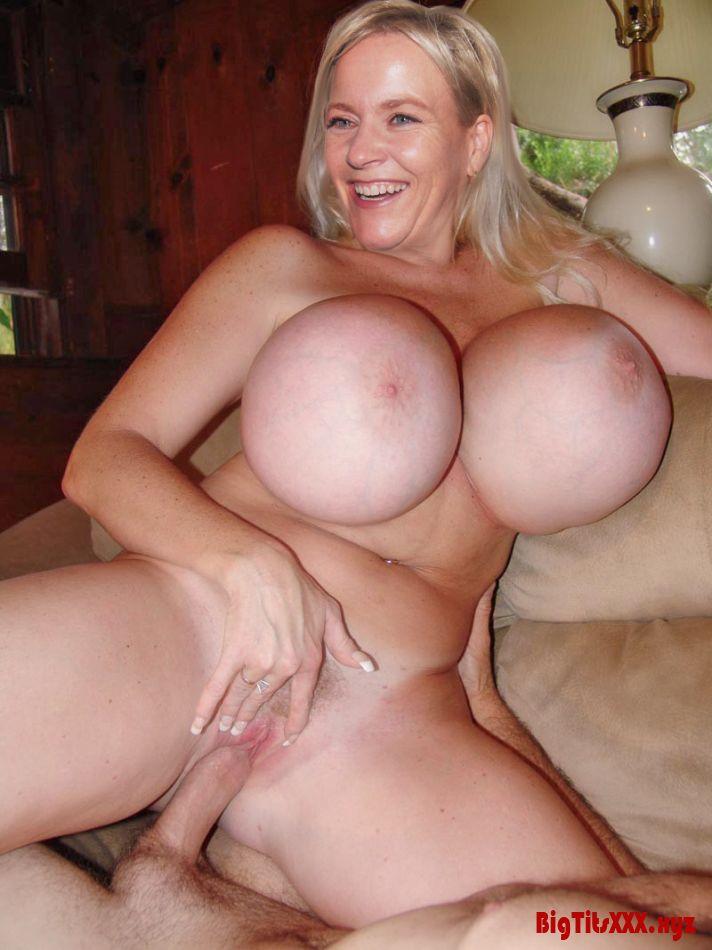 Порно фото категория зрелые с огромной грудью